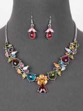 Load image into Gallery viewer, Necklace - Boho/Vintage Look with Crystals