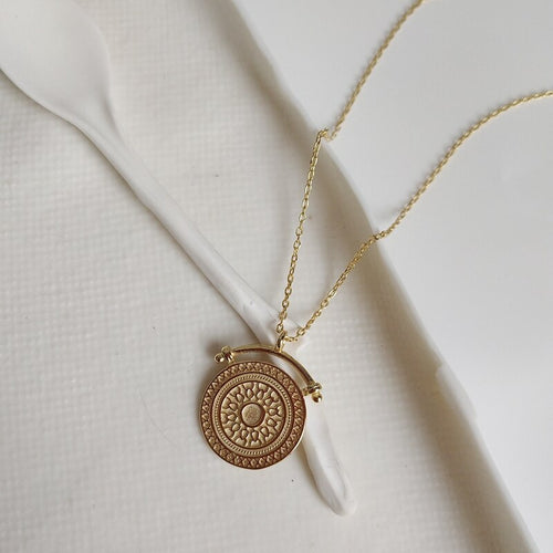 Women's 925 Sterling Silver 18K Gold Plated Round Pendant Necklace