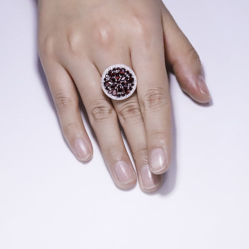 Women's 925 Sterling Silver and Natural Red Garnet Gemstone Round Ring