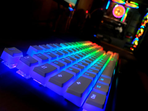6d. FNATIC MINI STREAK keyboard W/ RGB Keycaps