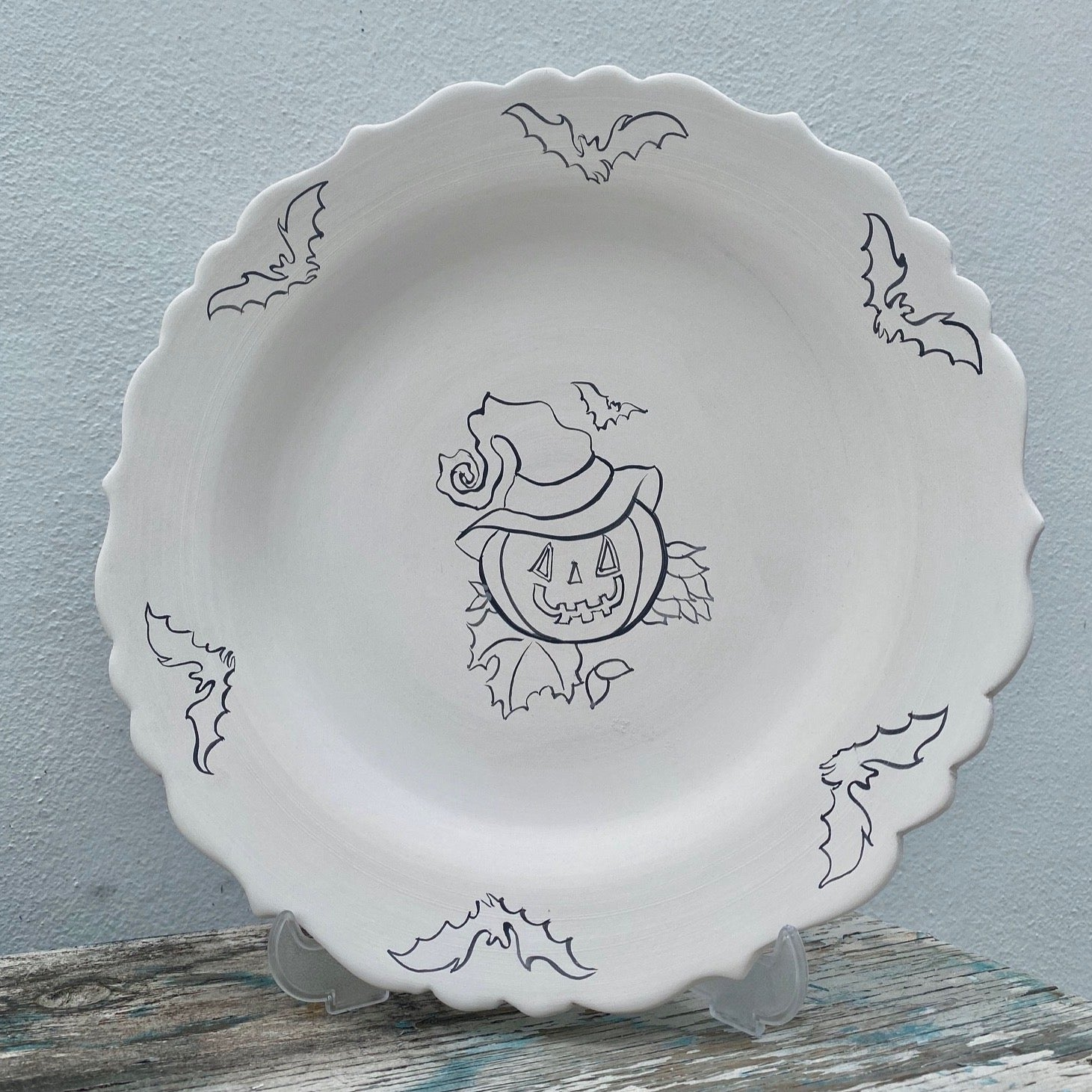 Scalloped aged Plate with Jack o Lantern