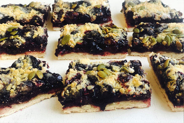 Cherry Crumble Breakfast Bars