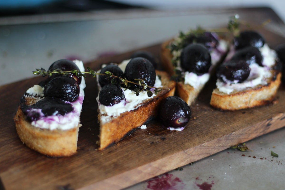 Roasted Grapes with Thyme and Goats Cheese