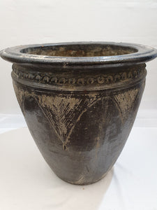 Large Feature Pot