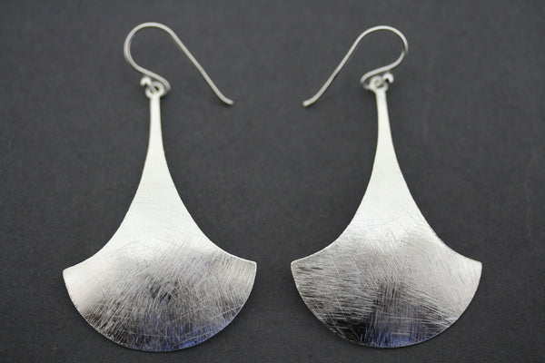 CURVED SHIELD EARRING