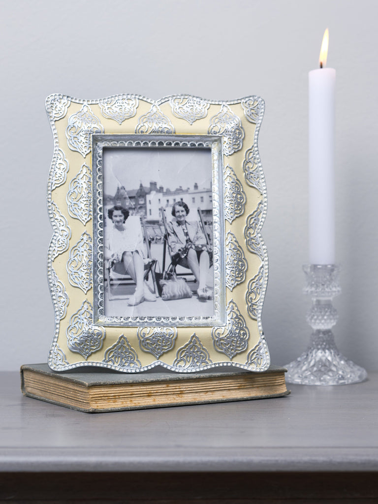 Leela Cream & Silver Photo Frame - 4x6 inches Picture Frames BRISSI