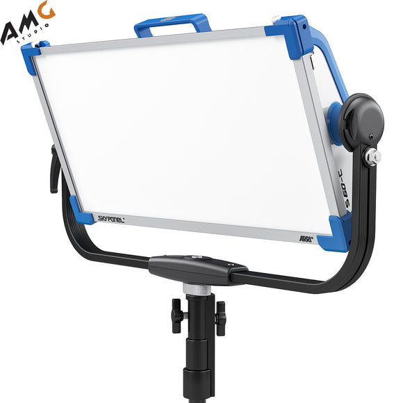 ARRI SkyPanel S60-C | S60-RP LED Softlight | Tungsten | Daylight (Blue/Silver, Manual/Pole Operated, Edison | Schuko | Bare Ends) - Studio AMG