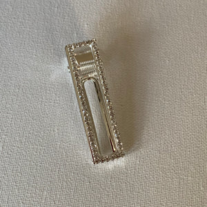 Style your hair with this beautiful rhinestone clip. It is the perfect accessory to any outfit! This clip has clear rhinestones. Can be worn each as a single clip or together. You can also mix and match with another favourite clip of yours!