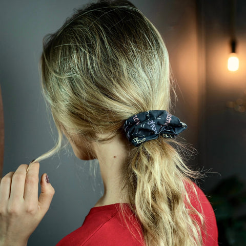 classic ponytail with scrunchie