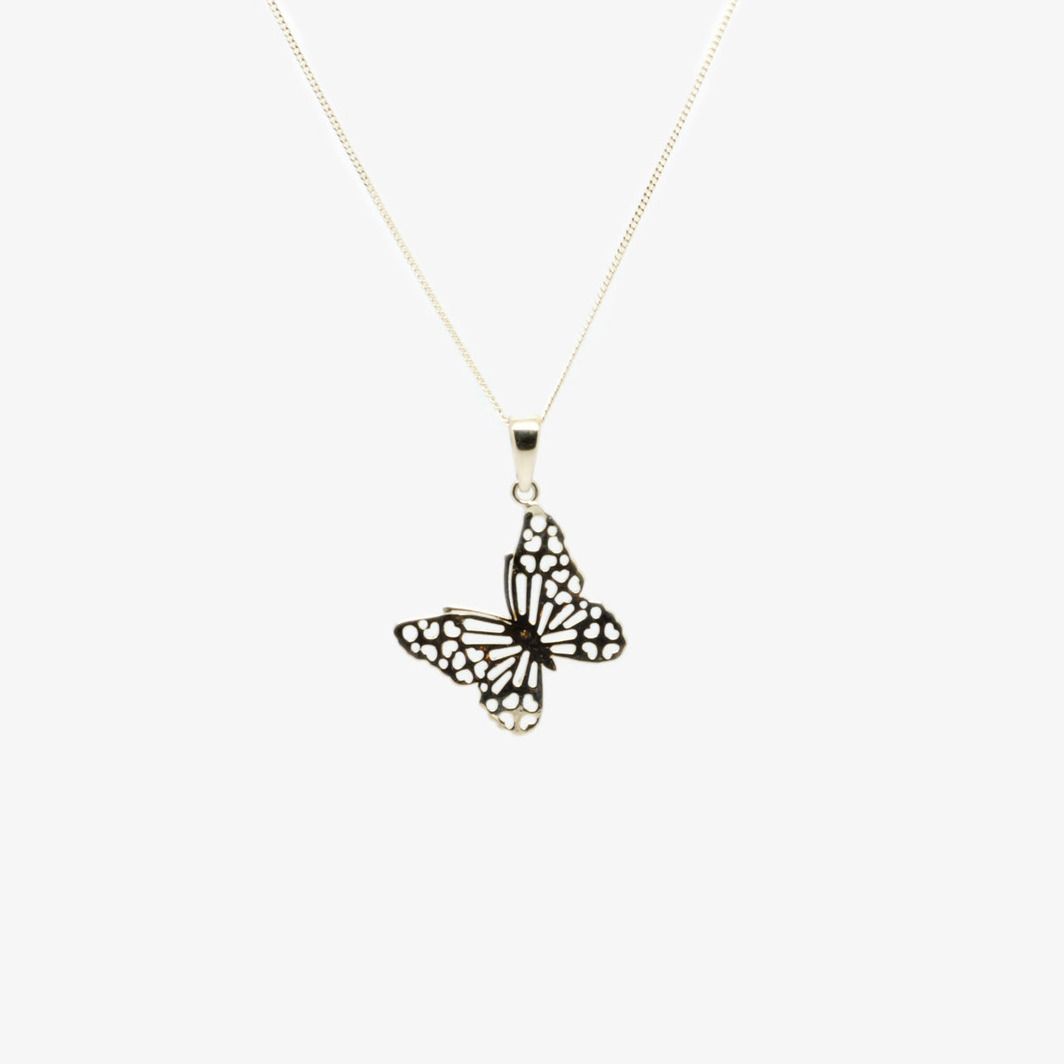 Front view picture of the silver butterfly pendant neckalce.