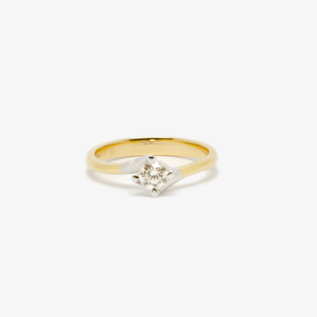 Jordans Jewellers 18ct yellow and white gold twisted setting diamond ring