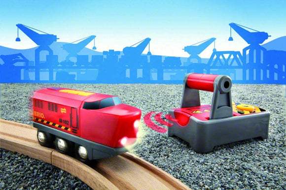 BRIO World Remote Control Train Engine | 2 Piece Train Toy Ages 3+