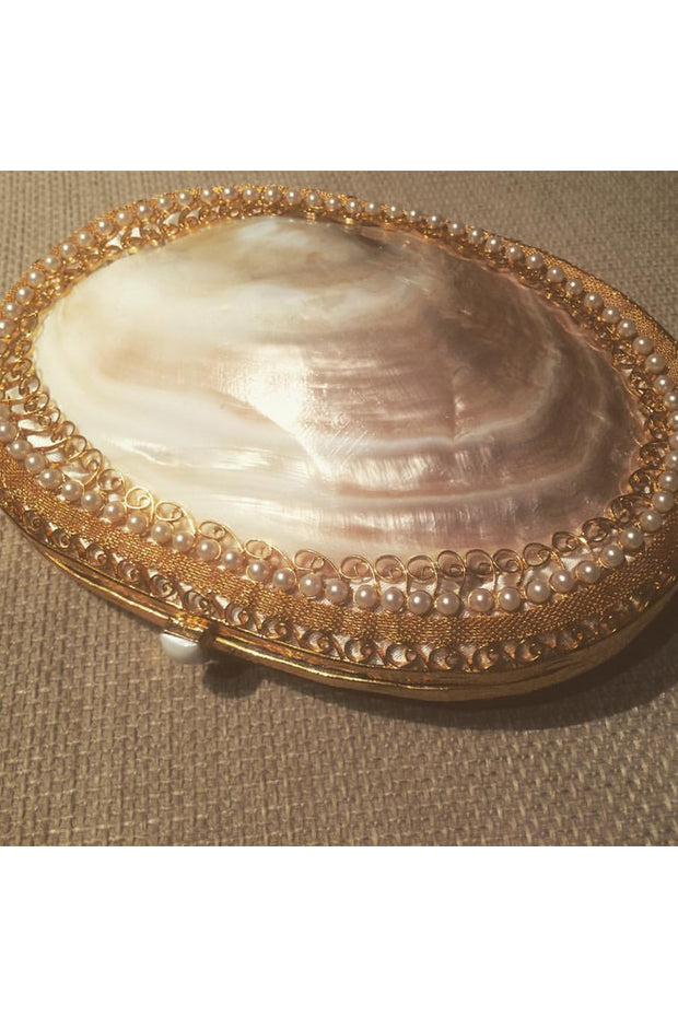 Big - Mother of pearl shell filigree clutch. - Meraki
