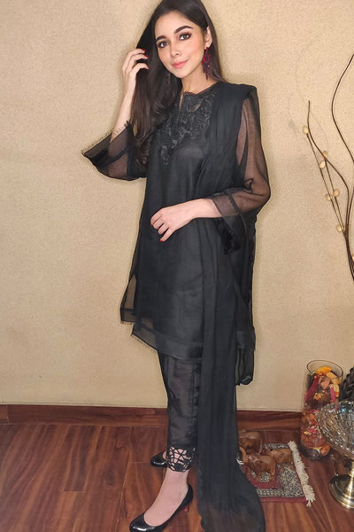 CUTWORK BASIC - BLACK WITH PANTS - Farida Hassan