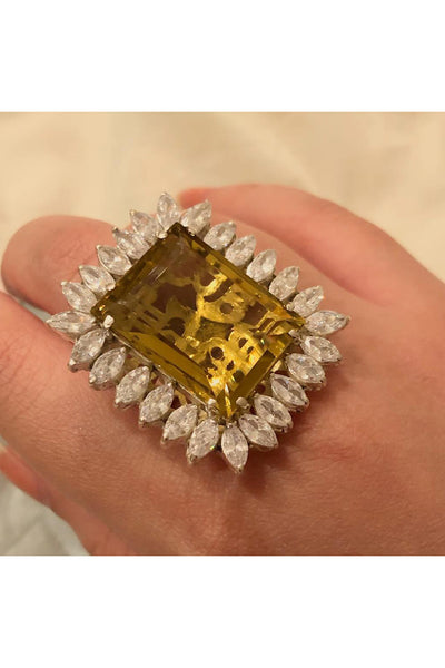 Cocktail ring in yellow citrine.