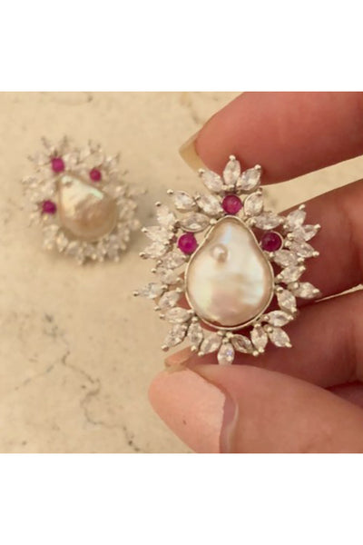 Mother of pearl - floral dream earrings. - Meraki