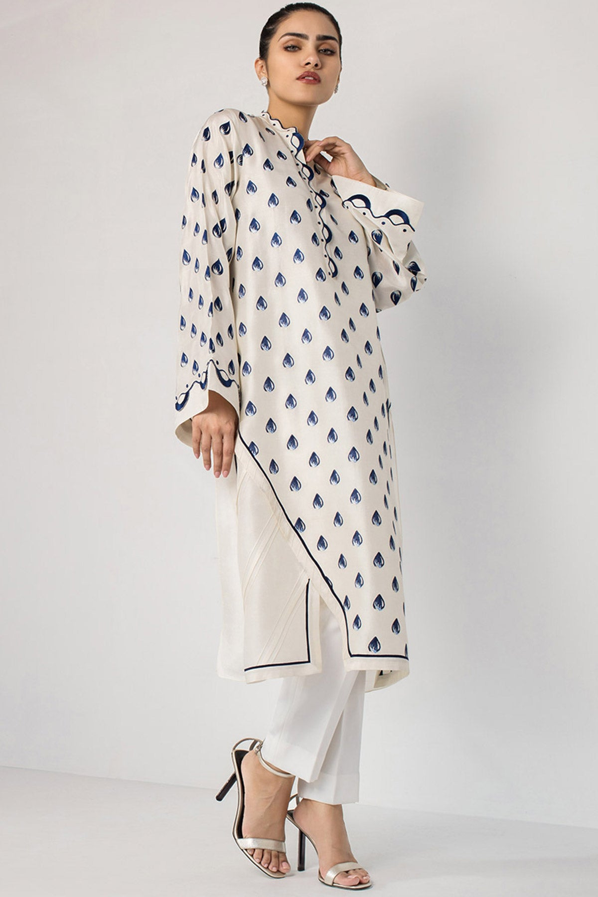 LONG KURTA WITH ASYMMETRIC HEMLINE - Sania Maskatiya