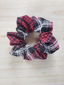 Plaid Scrunchie- Red & Black