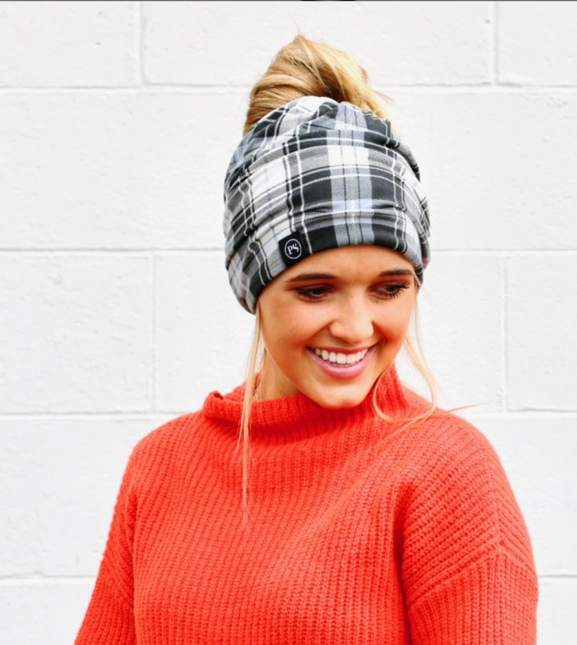 Pretty Simple-Black & White Plaid Beanie