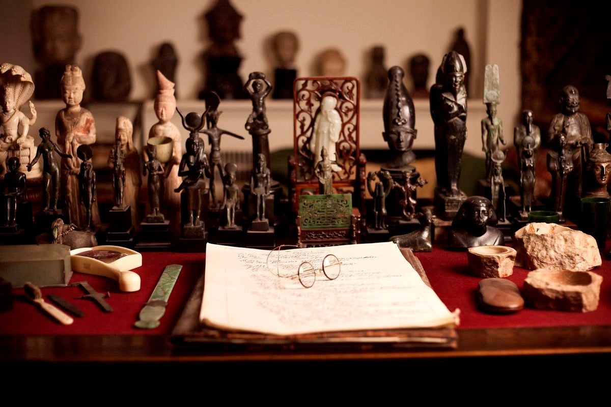 Sigmund Freud's work desk, courtesy of the Freud Museum, London