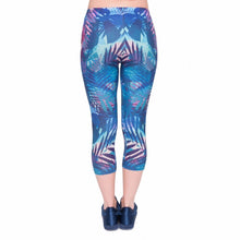 Load image into Gallery viewer, Tropical Leaves Printing Mid-Calf 3/4 Women Capri Leggings
