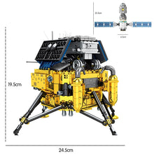 Load image into Gallery viewer, Lunar Lander Planet Explorer Building Blocks Kids Toy 702 psc + 2 dolls