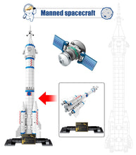 Load image into Gallery viewer, Aviation Rocket Satellite Launcher Model 2 Building Blocks Toy 904 pcs + 2 dolls