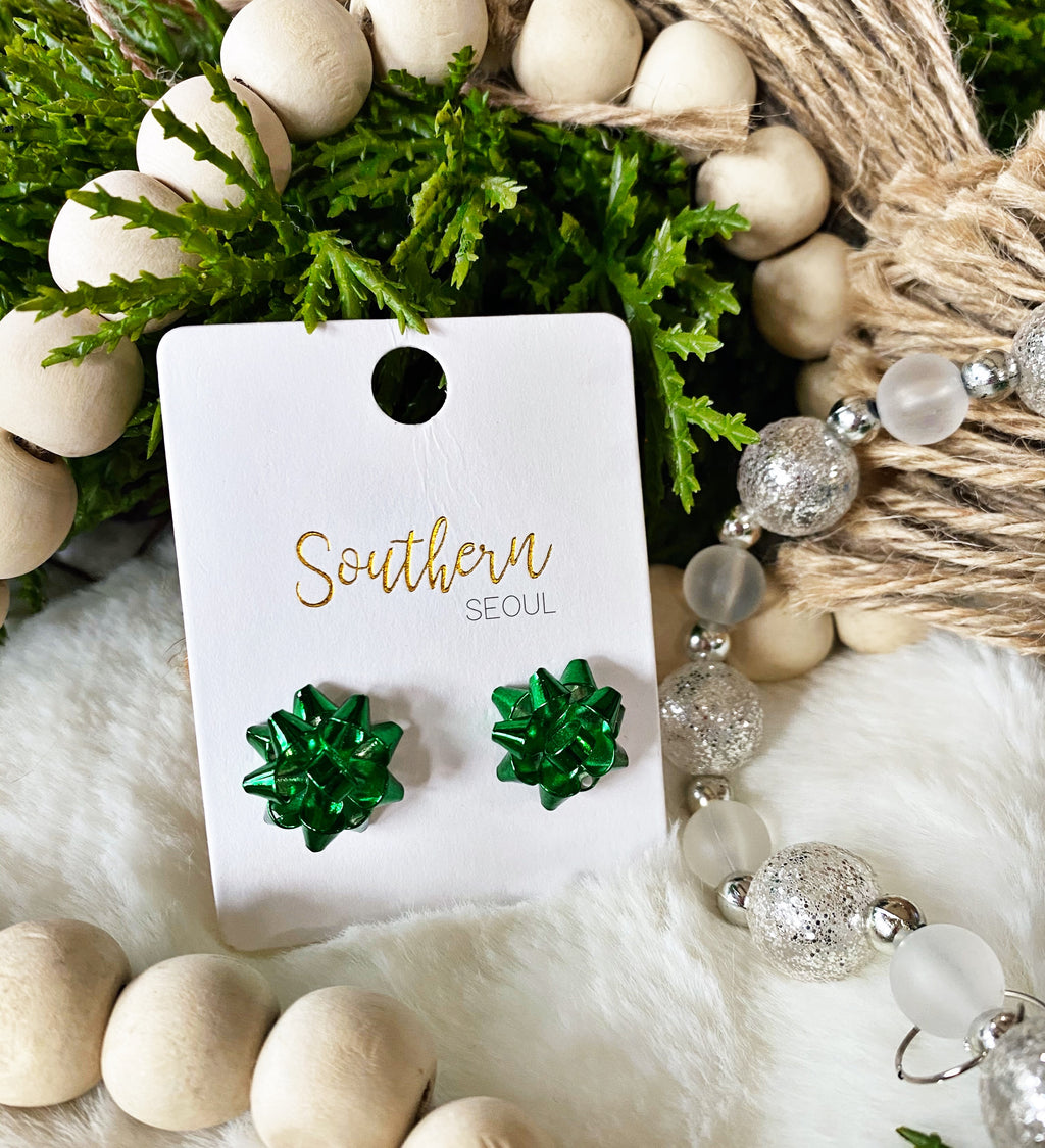 *DOOR BUSTER* Green Holiday Bow Stud