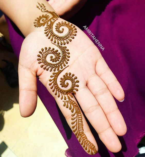 Simple Mehndi Designs For Kids