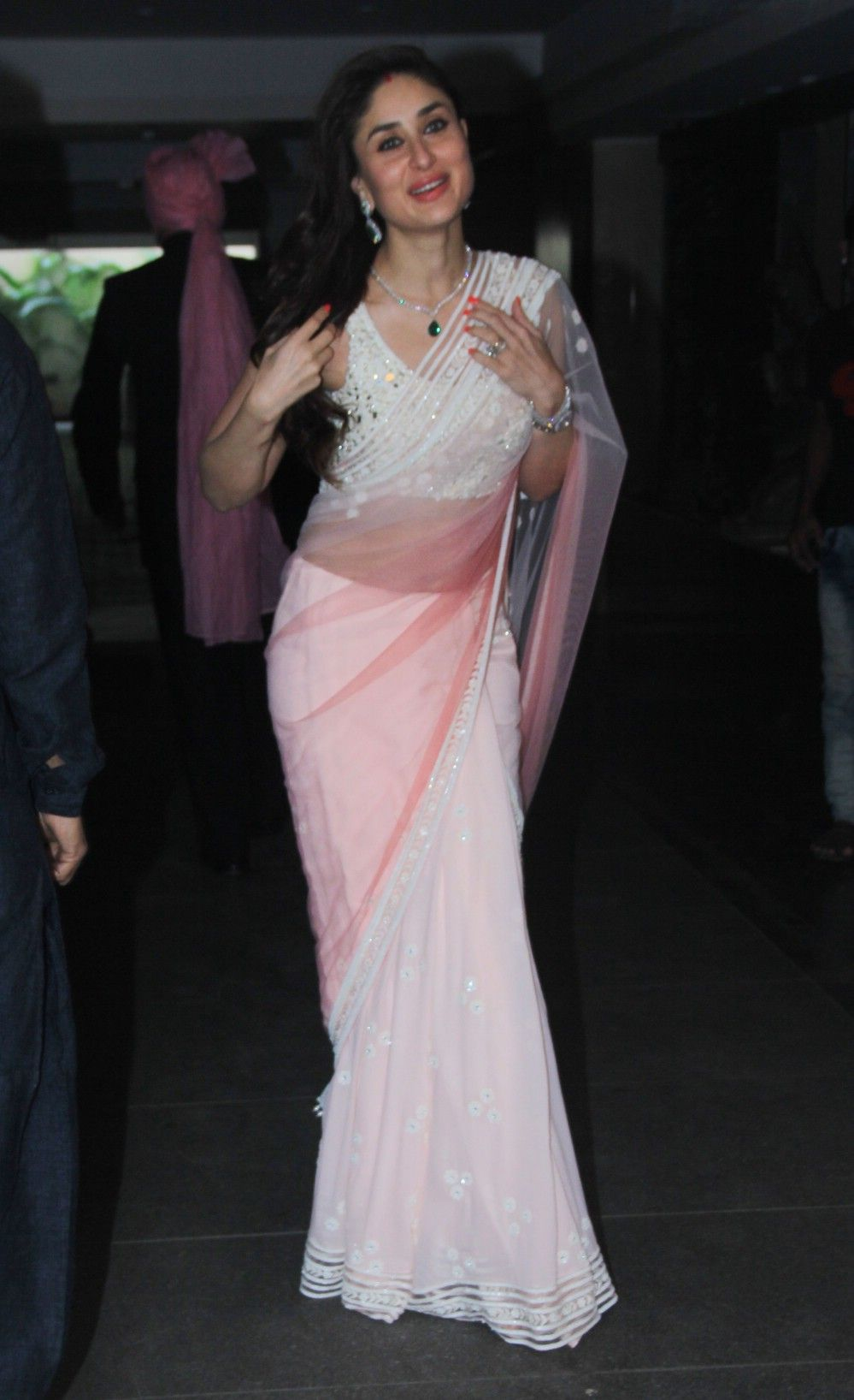 Kareena White Saree Soha's Wedding