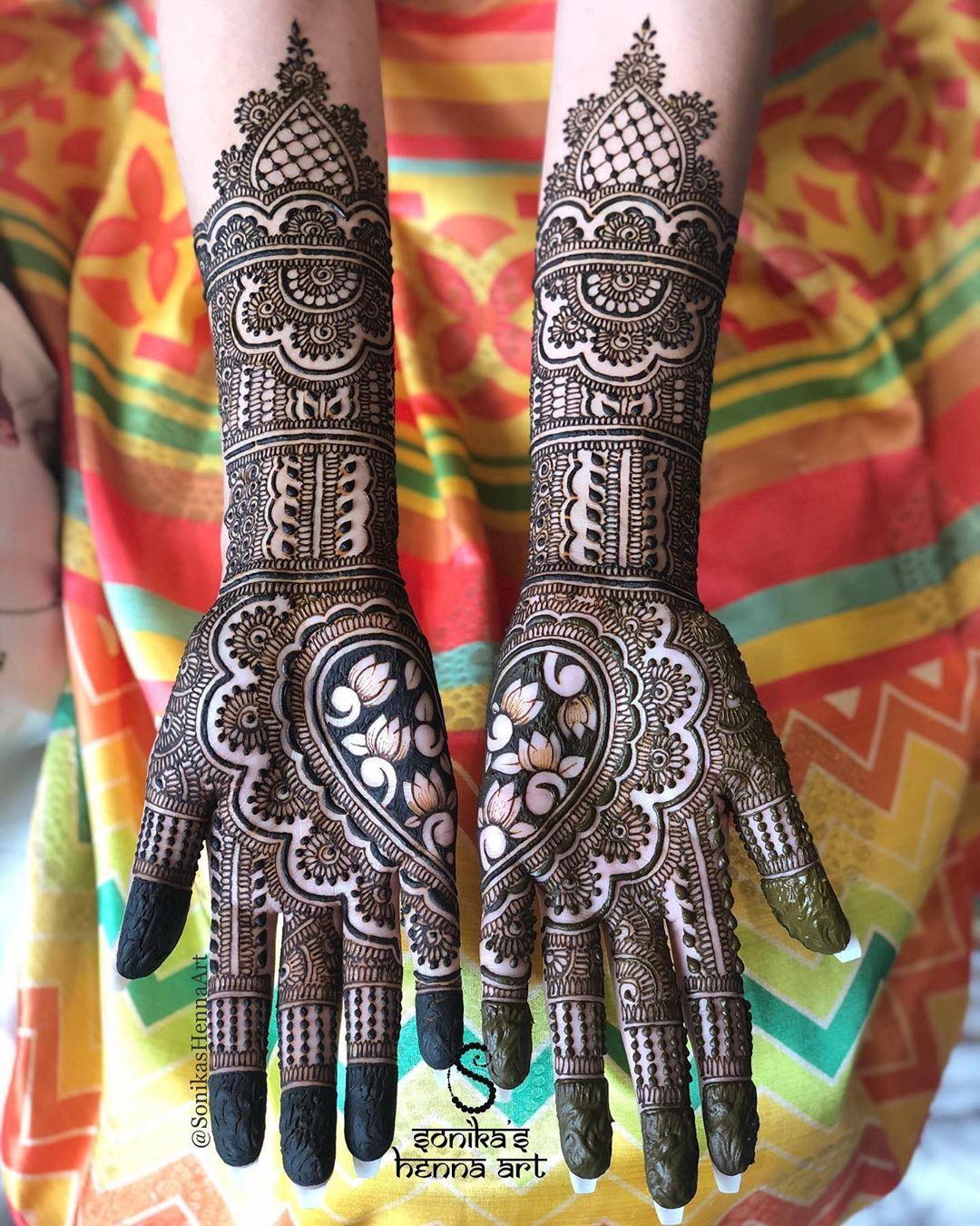 Simple Bharwa Mehndi Design
