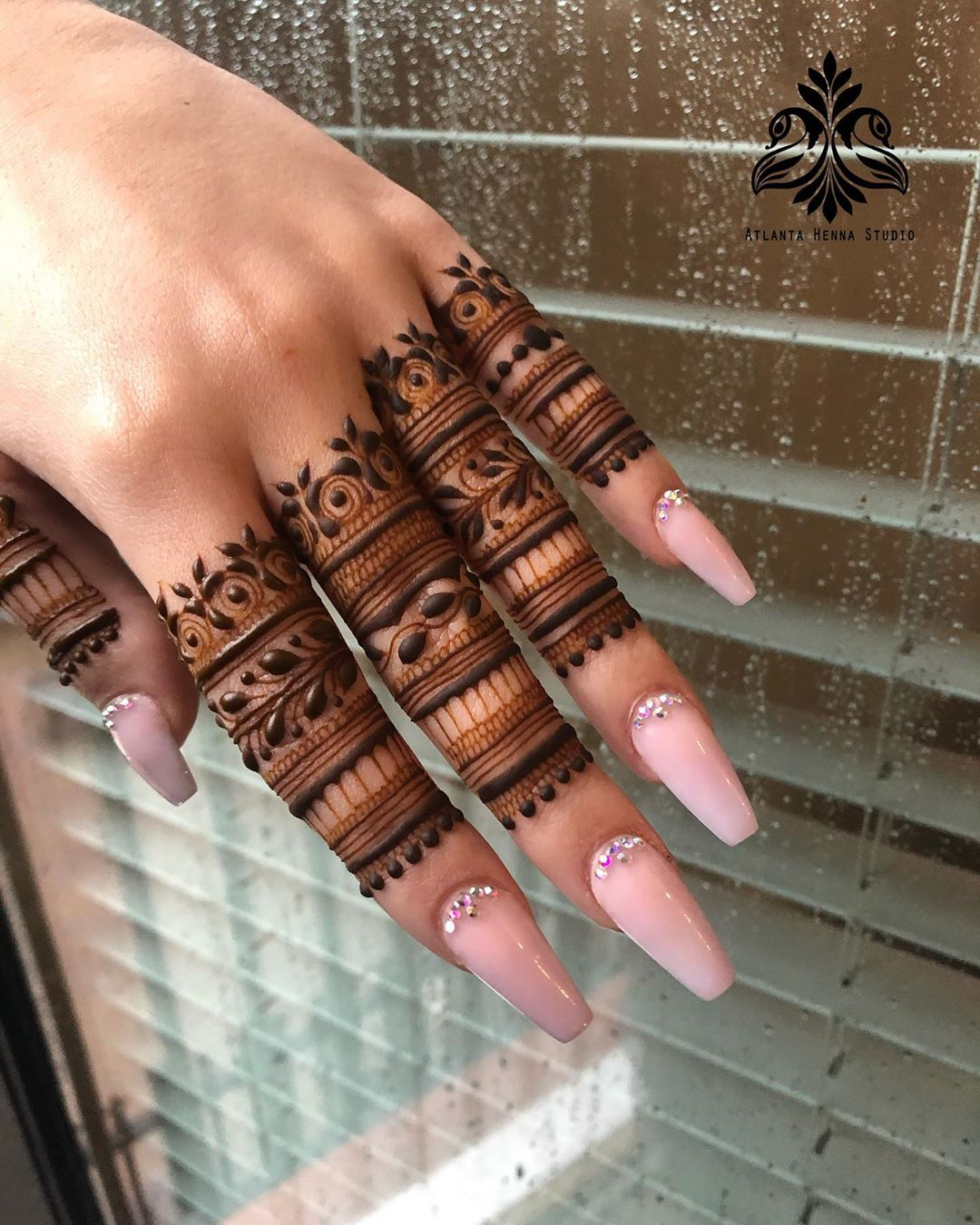 Simple Finger Mehndi Design