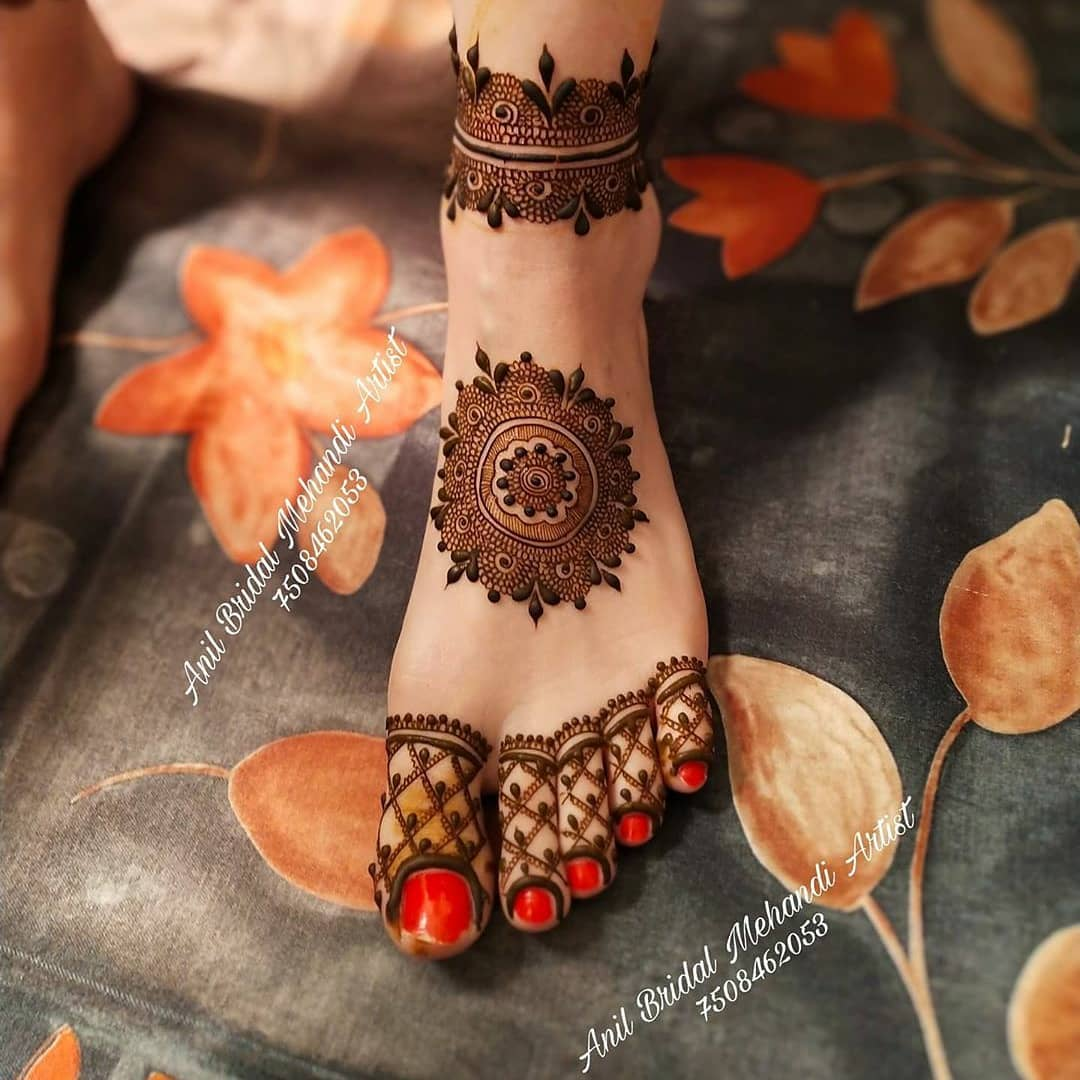 Simple Mehndi Design - Foot