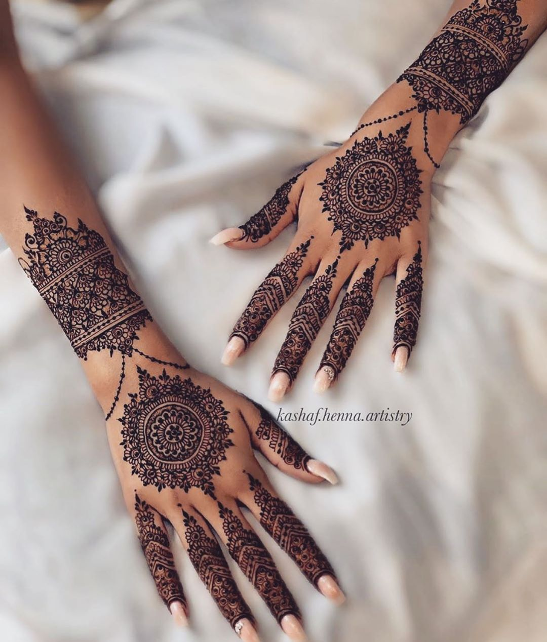 Simple Mehndi Design - Back Hands