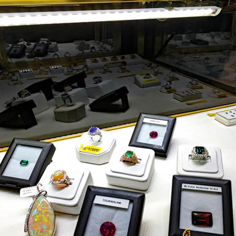 THE BEST SELLING LED in case showcase lighting for your jewelry displays