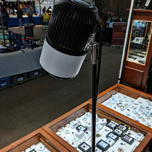 Load image into Gallery viewer, 30w LED table clamp lighting for craft show lighting & trade show lighting