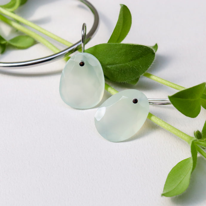 new arrival!~drop chalcedony pierces L~