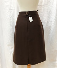 Load image into Gallery viewer, Louis Feraud Skirt (L) - HOB Boutique