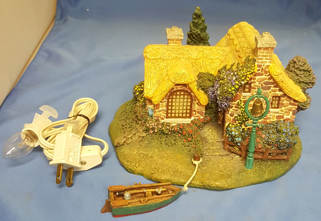 2001 Thomas Kinkade Hawthorne Seaside Village Collection Seaside Boathouse Lighted Ceramic