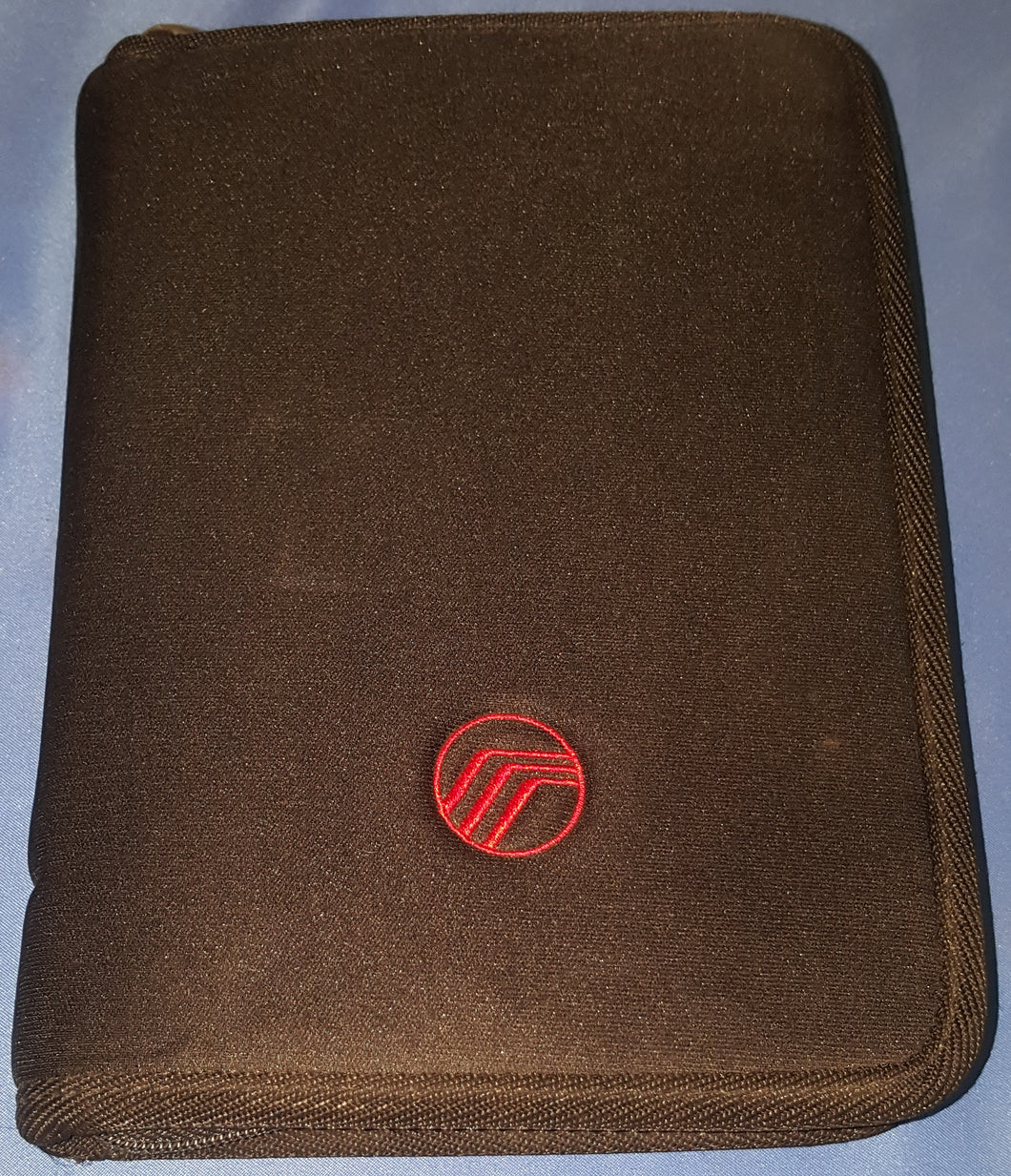 2002 Mercury Mountaineer Owner's Guide and Other Paperwork in Soft Case