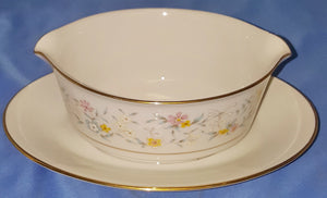 Contemporary Fine China by Noritake Delevan 2580 Gravy Boat