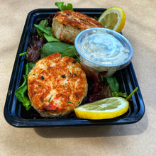 Load image into Gallery viewer, Dinner, Russo's Homemade New England Crab Cakes