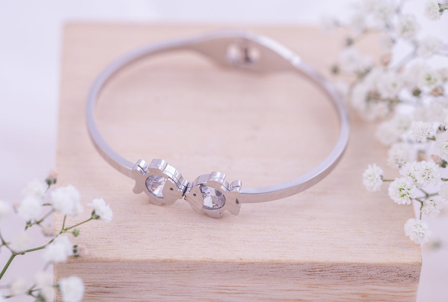 Kissing Fish Bangle