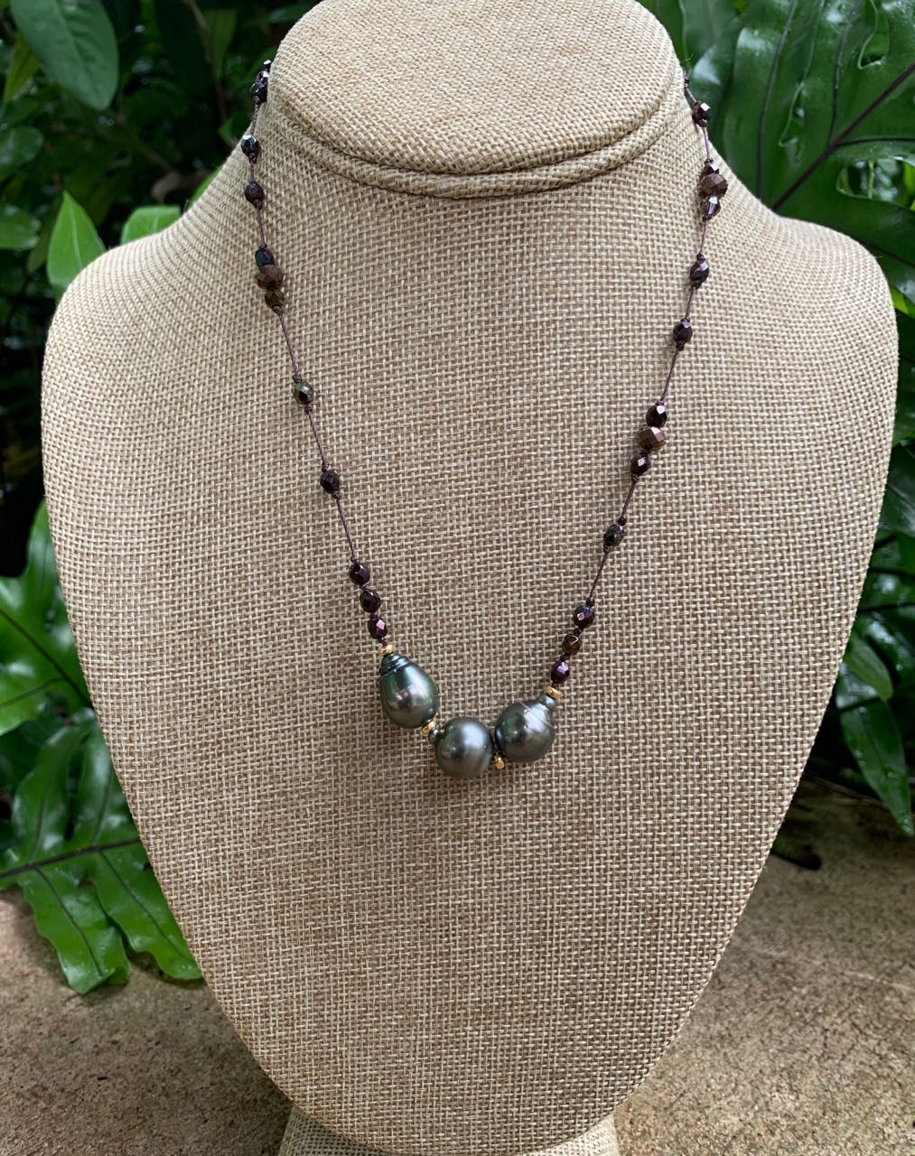 Fafaloha: Mahine Tahitian Pearl & Glass Beads Necklace