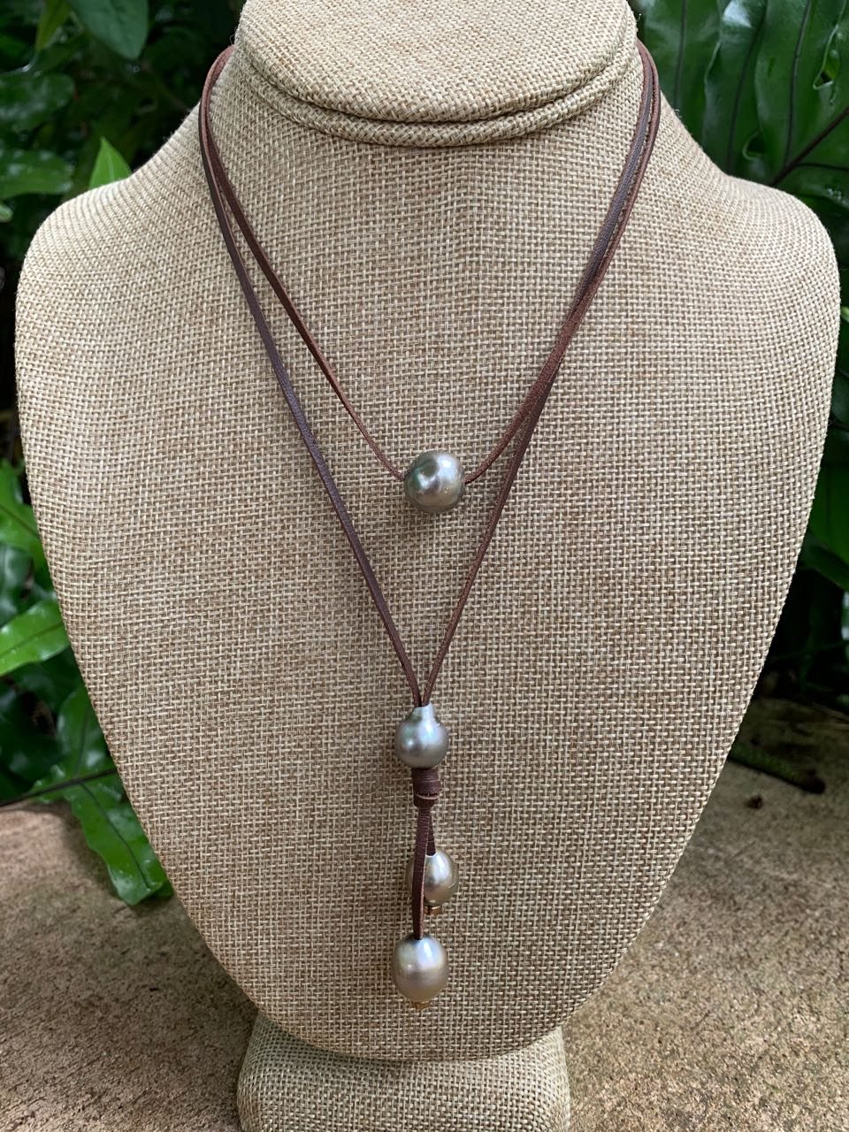 Fafaloha: Hana Necklace with Five Tahitian Pearls & Leather