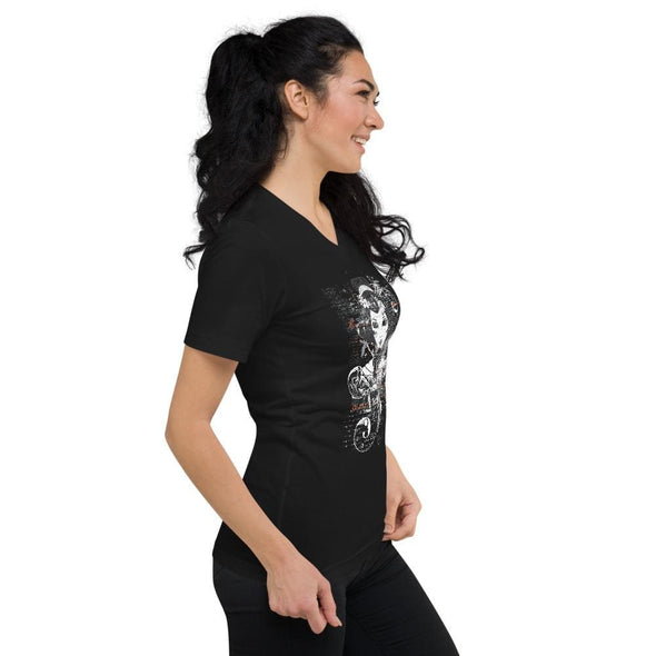 Geisha Women Elaborate Design on V-Neck T-Shirt - T-shirts