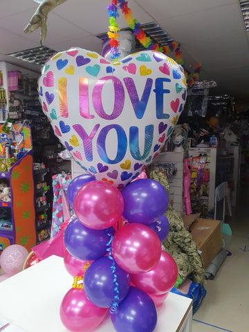 I love you balloon centrepiece