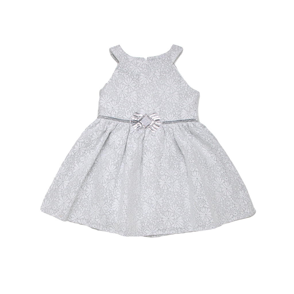 Little toddler girls sleeveless fancy formal white fully lined dress with lace crochet overlay shiny sash and sequin waist