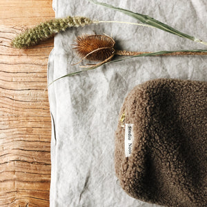 studio noos // chunky teddy pouch brown