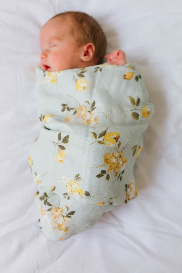 Loulou LOLLIPOP Wild Rose Swaddle